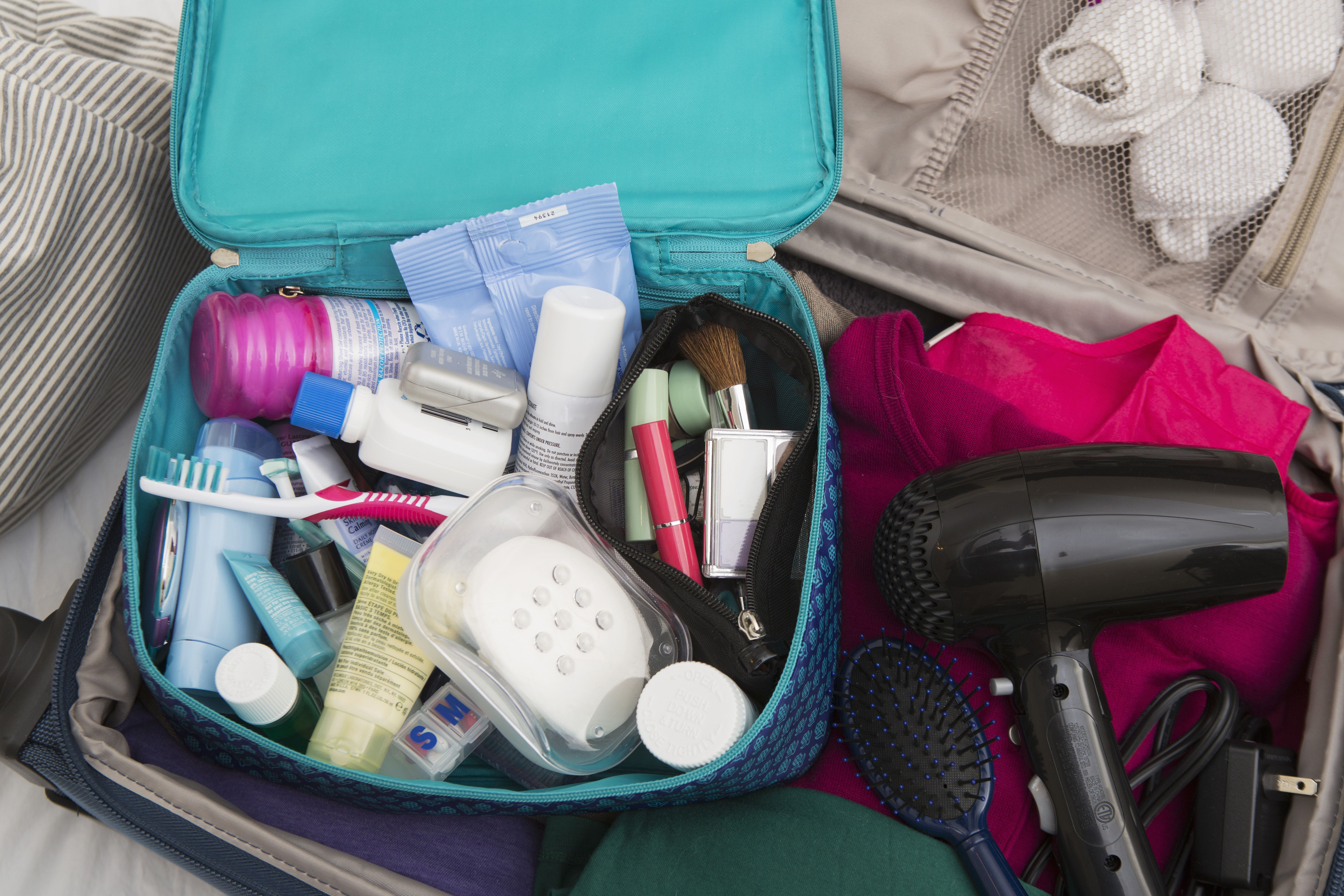 How to pack toiletries in a carry on bag for Can you take jewelry in your carry on baggage