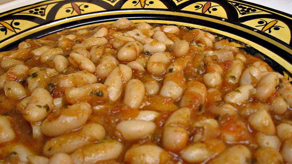 white-beans-stewed-1209-x-680.jpg
