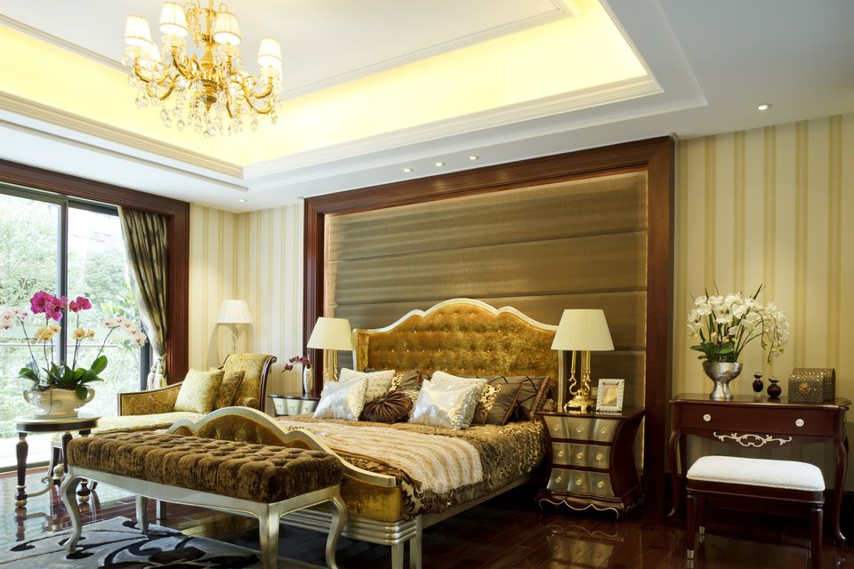 Single Coffered Ceiling In Bedroom