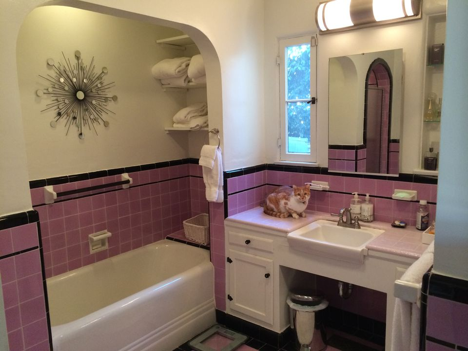 deco bathroom makeover before