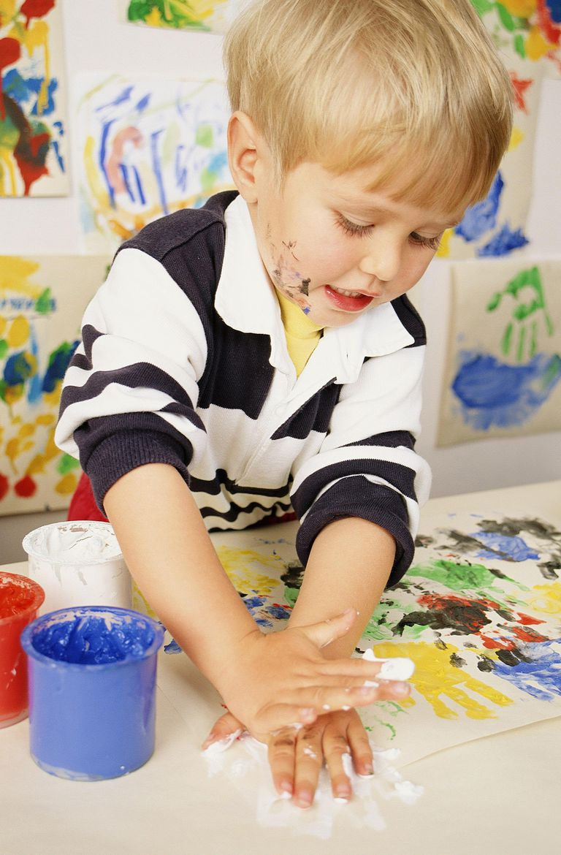 Boy (3-5) Finger-painting