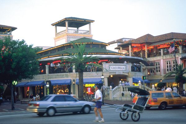 Much of the shopping in Coconut Grove revolves around its central business district, near the intersection of Grand Avenue and Main Highway. Within this busy pedestrian-friendly hub, unique boutiques offer everything from fine jewelry and antique books to avant-garde .