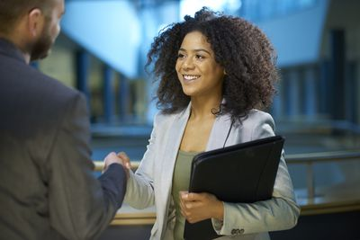 top 10 tips for acing a job interview - International Job Interviewing What Are The Cultural Differences