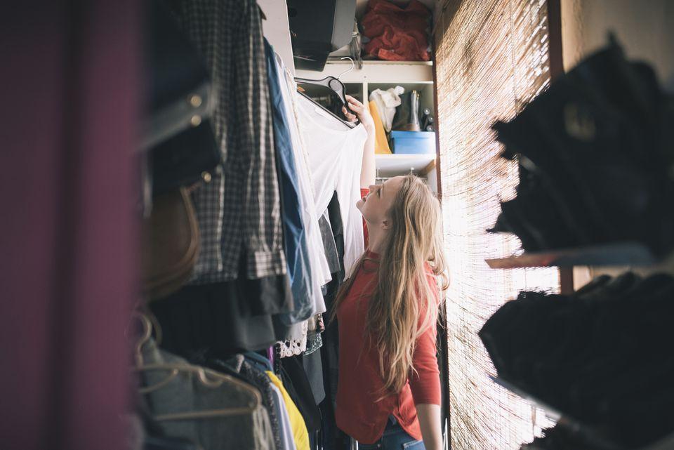 Closet makeover in 8 steps