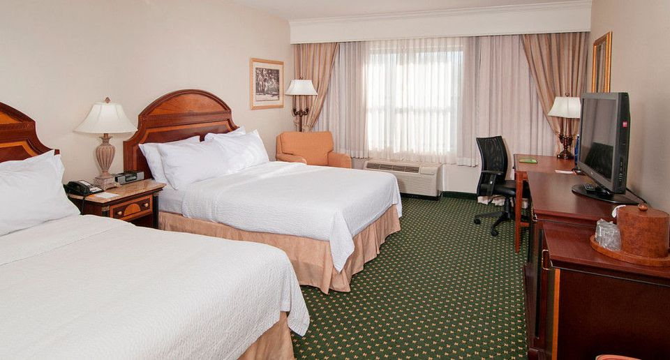 Business travelers can use corporate rates to get hotel discounts.