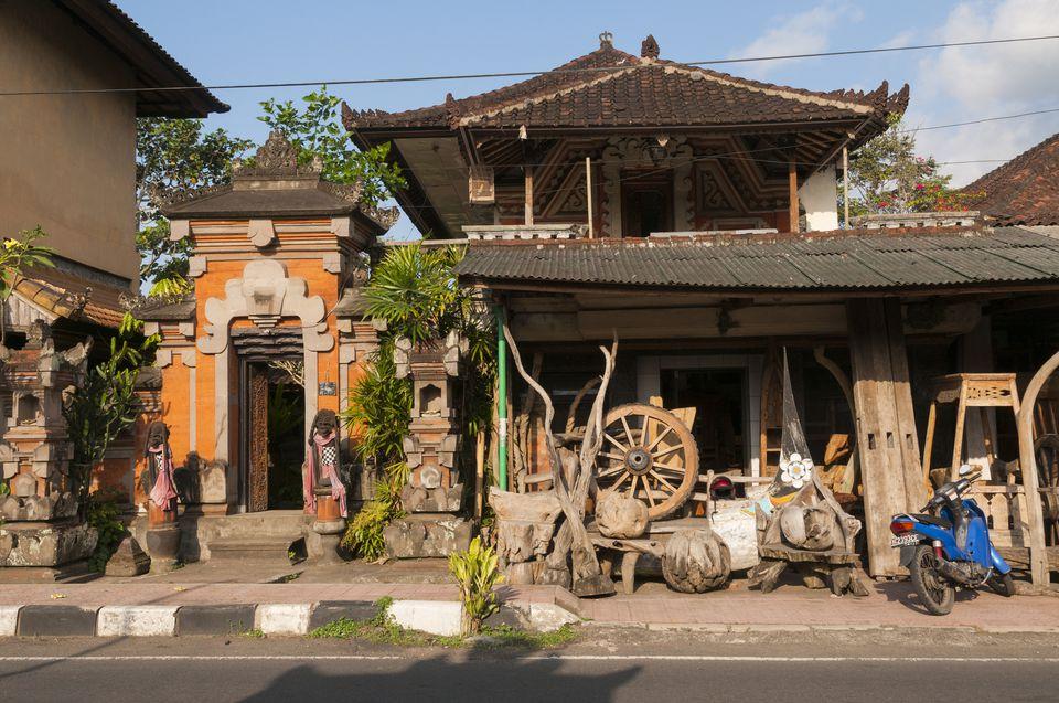 Indonesia, Bali, Ubud, shopping street with stores