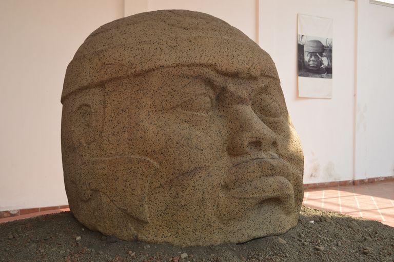 Monument Q, Tres Zapotes, Veracruz