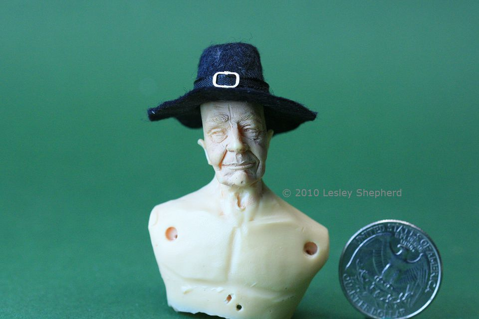 Capotain felt hat, Puritan or Pilgram hat, made from felt in a size for a dolls house doll.