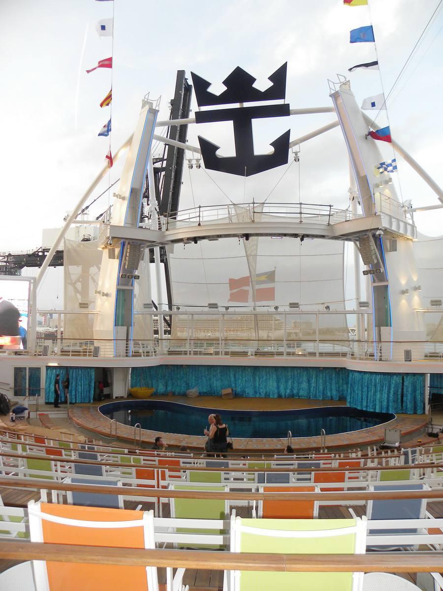 Oasis of the Seas Aqua Theater