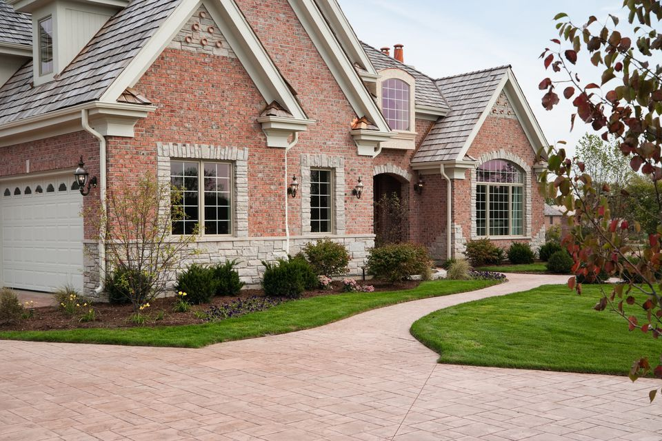 How to choose the right driveway paver options types of paver driveways solutioingenieria Choice Image