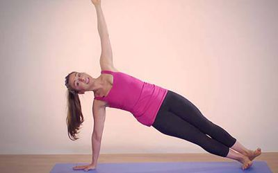 how to do side crow yoga pose parsva bakasana