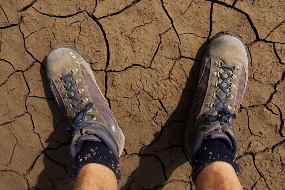 Shoe warning issued for desert heat.