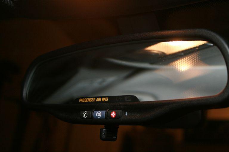 OnStar mirror interface