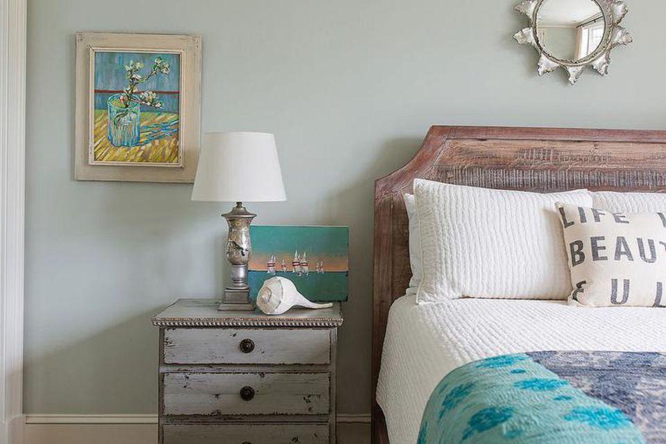 beach bedroom furniture. Distressed furniture beach bedroom 50 Gorgeous Beach Bedroom Decor Ideas