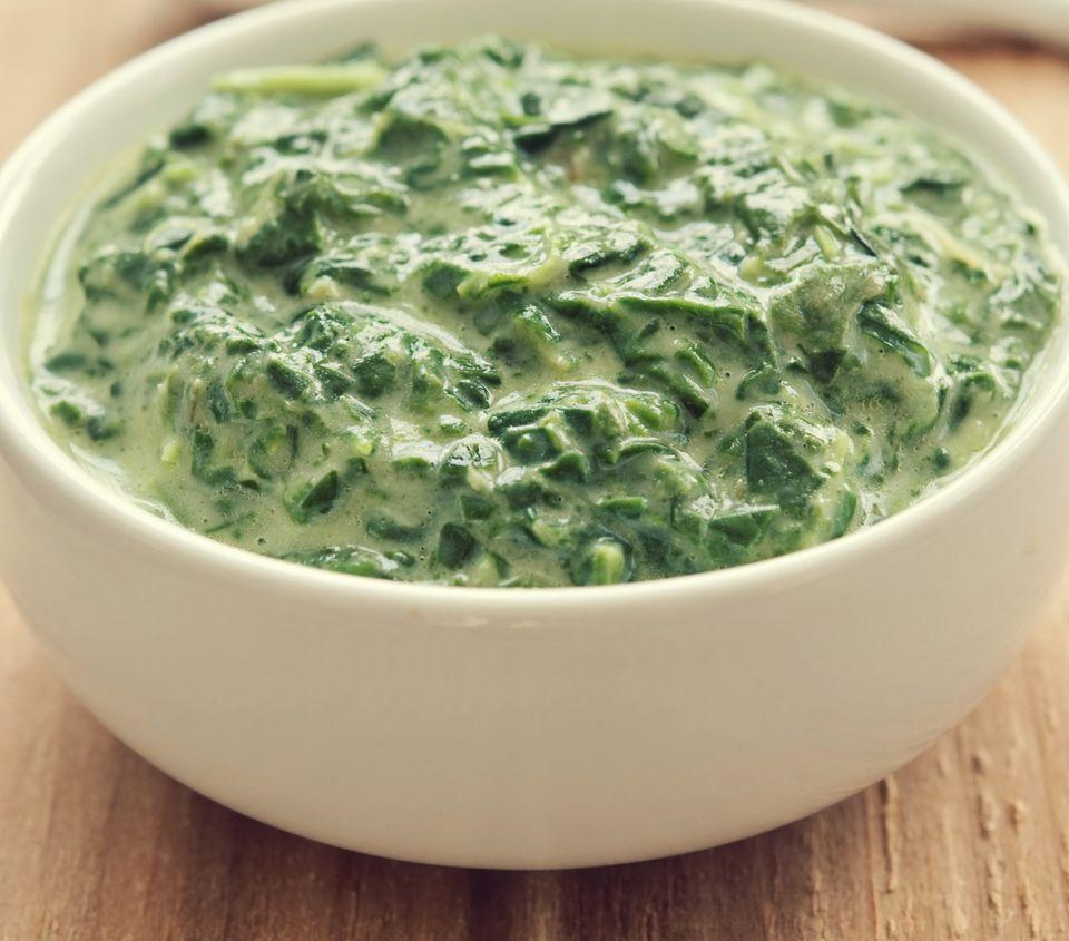 Make an easy homemade vegan creamed spinach!