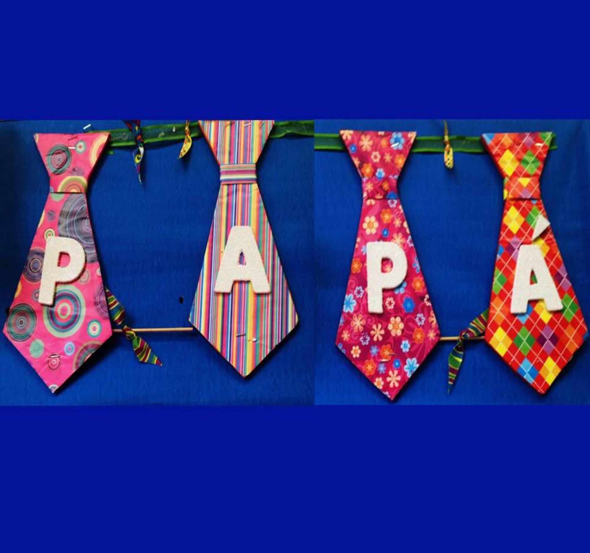 Regalos para pap for Puertas decoradas para el dia del libro