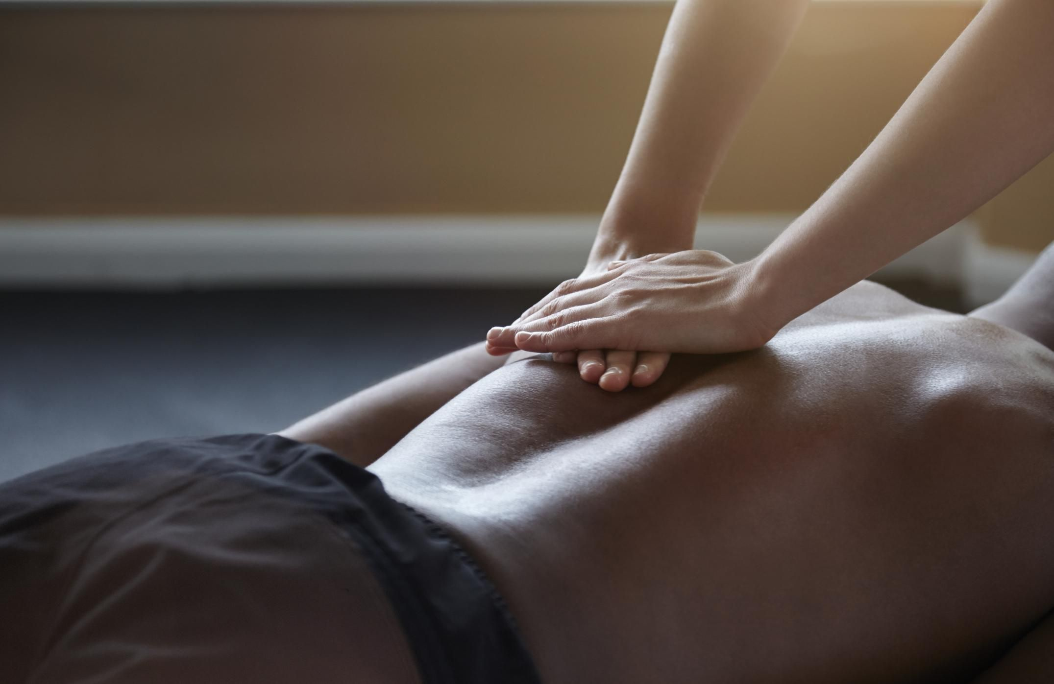 What Is A Deep Tissue Massage-1014