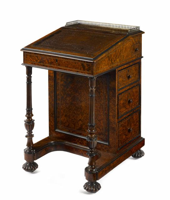 Davenport Desk or Ship Captain's Desk - Identifying Antique Writing Desks And Storage Pieces