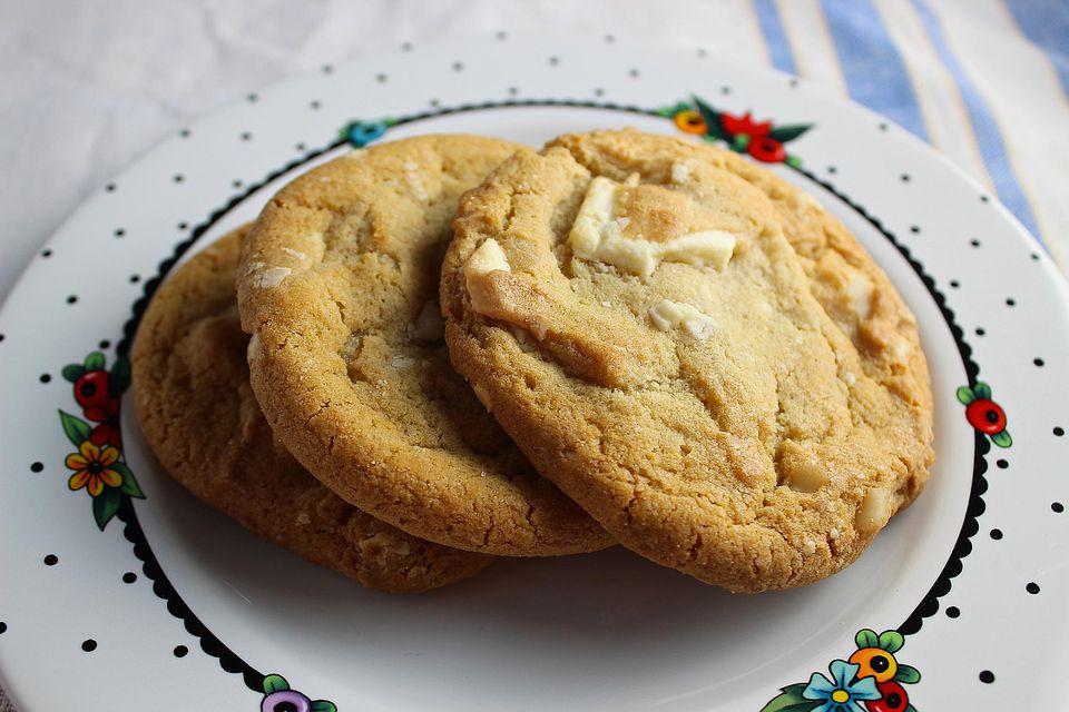 White-Chocolate-Cashew-Cookies.jpg