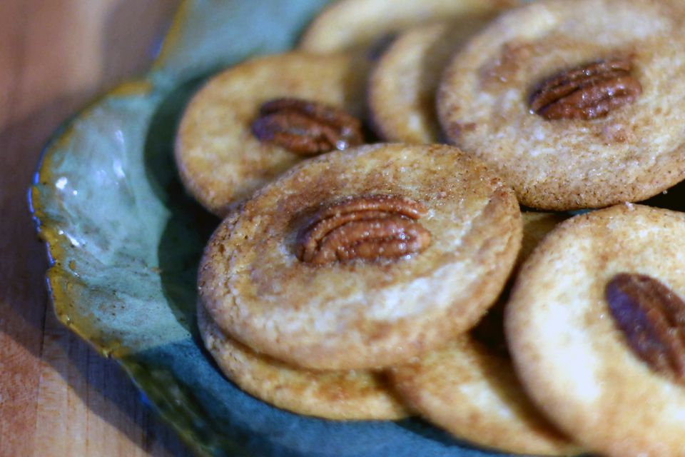 Sand Tarts With Cinnamon and Pecans