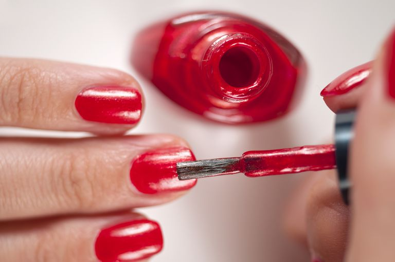 At home manicure advice and tips applying nail polish solutioingenieria Choice Image