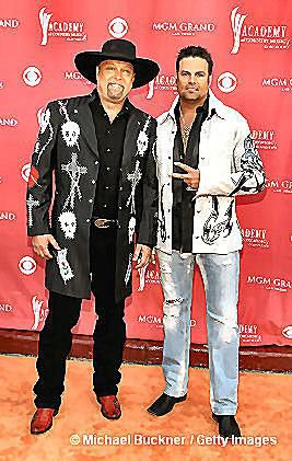 Eddie Montgomery (left) with Troy Gentry