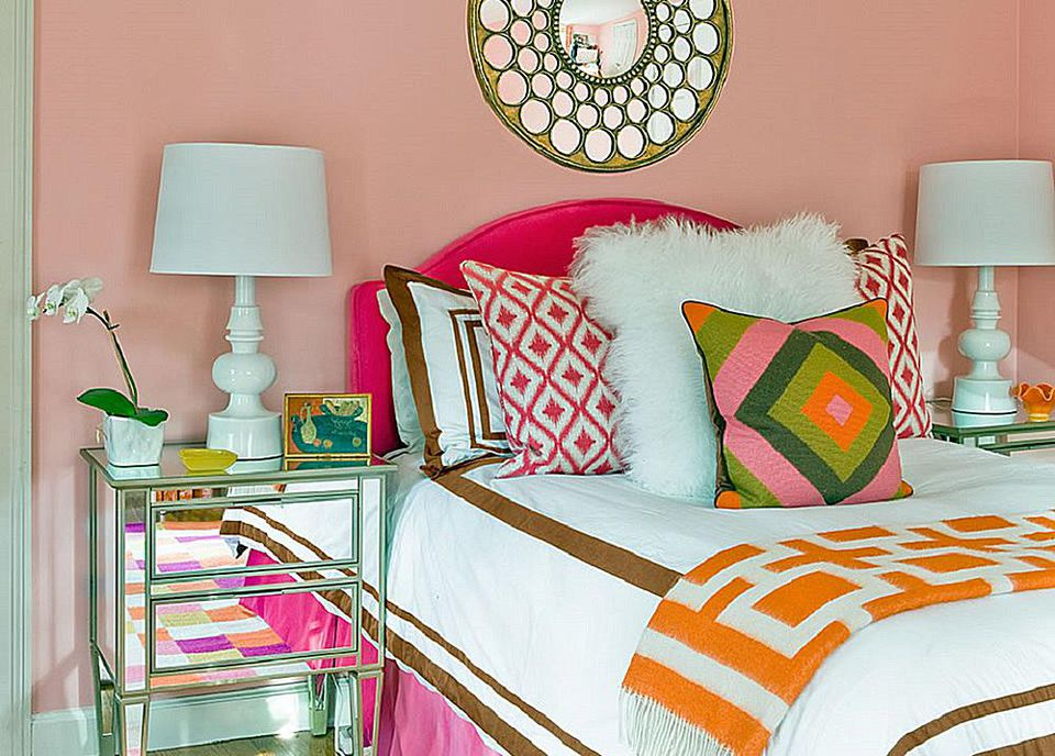 eclectic bedroom. Mixed textures add depth to the eclectic bedroom  How Decorate Your Bedroom in an Eclectic Style