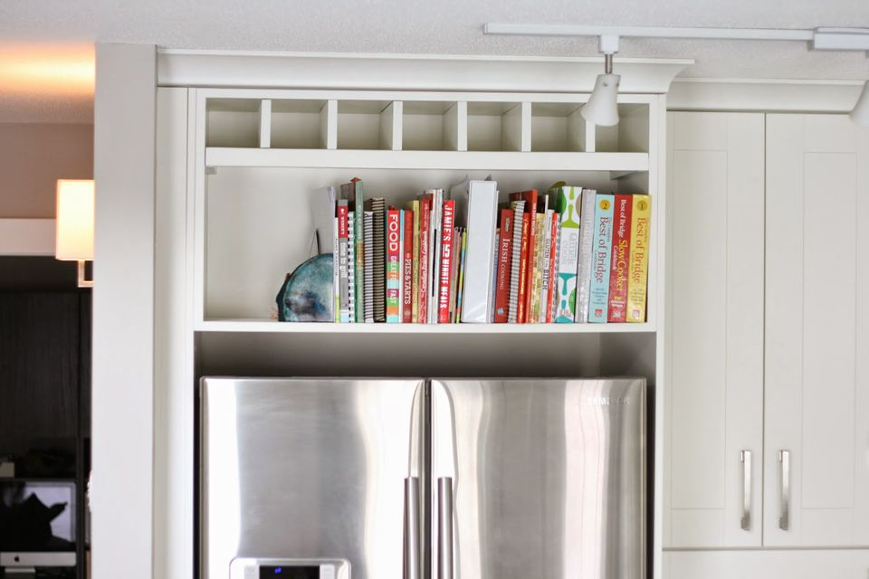 How to store cookbooks above the fridge
