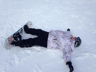 melissa-fails-at-snowboarding