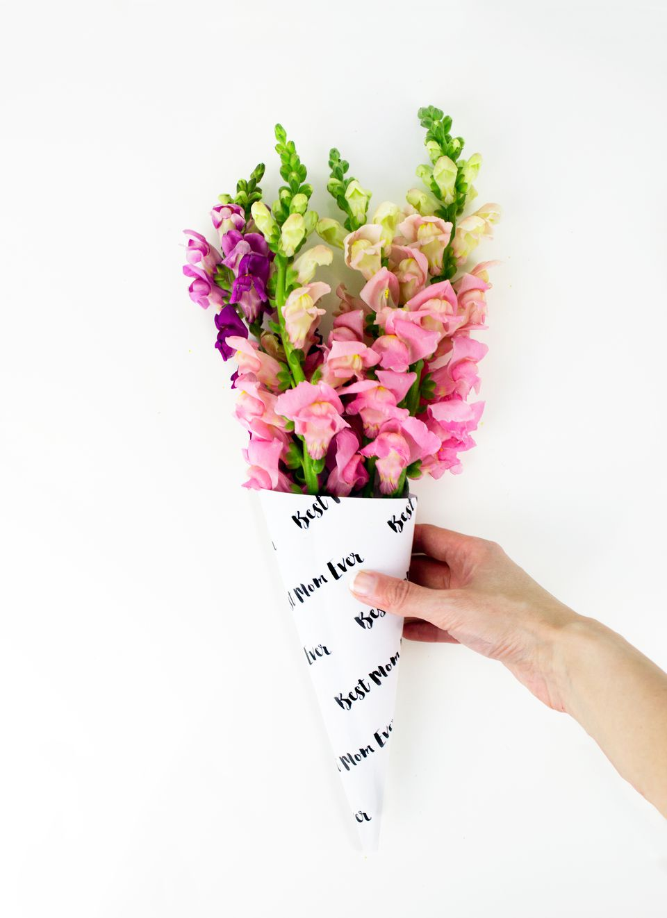 Diy mother 39 s day flower bouquet wrap for Mothers day flower arrangements