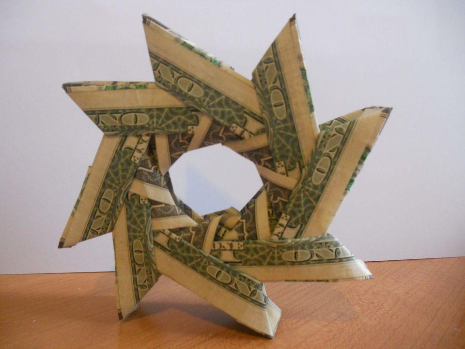 A money origami wreath