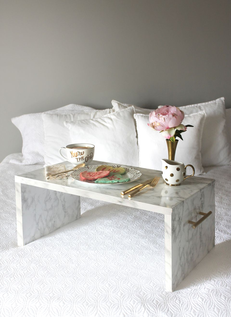 Bedroom decor projects to DIY