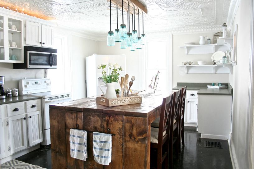 Mason-Jar-Farmhouse-Kitchen