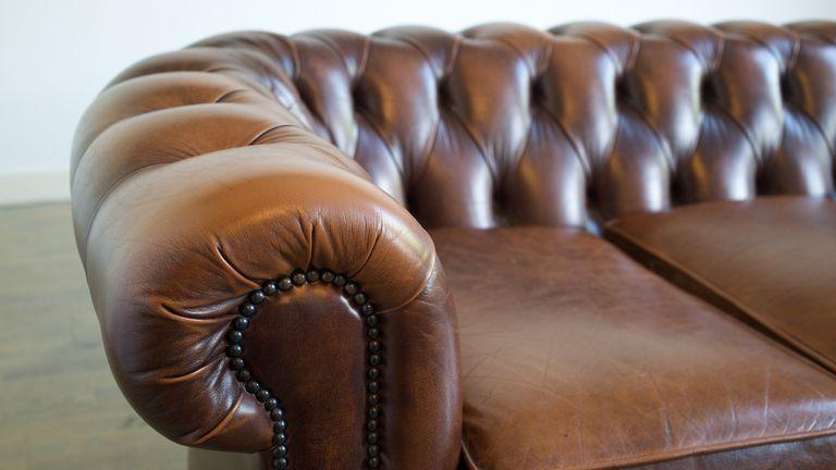 tapizado-capitone-sofa-chester