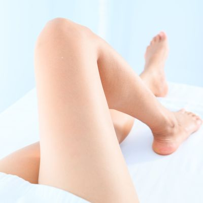 How to perform a brazilian wax at home getting a bikini wax heres what to expect solutioingenieria Image collections