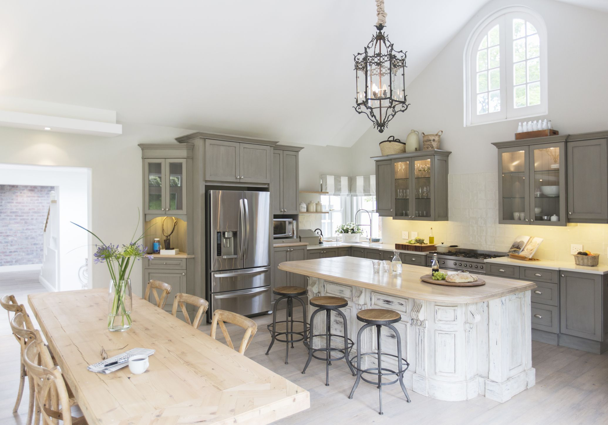 Painting Ideas How to Make your Small Kitchen Look r