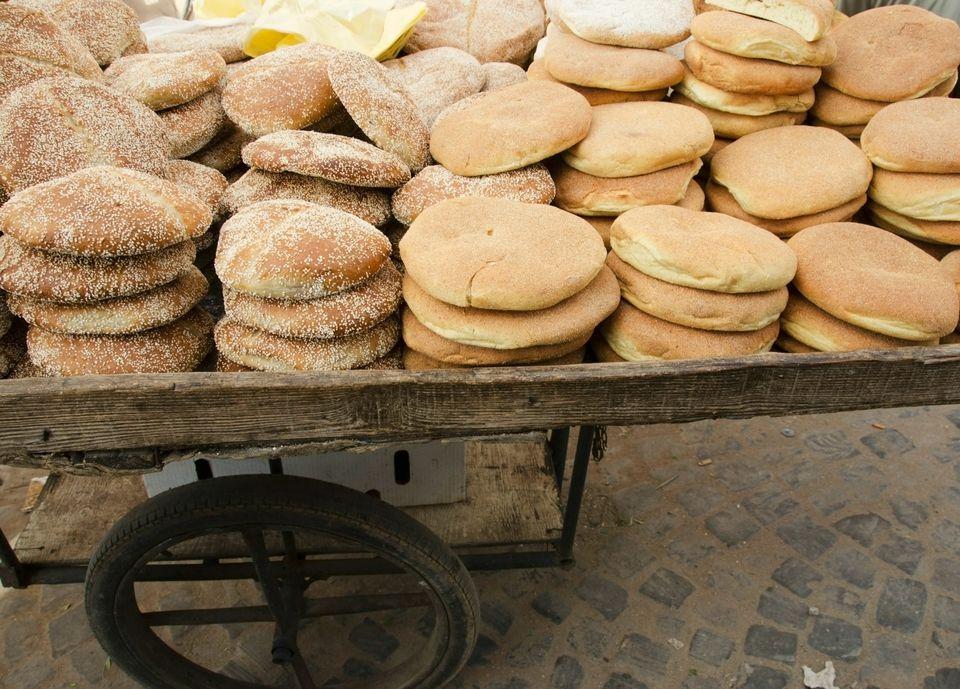 moroccan-bread-on-cart-getty.jpg