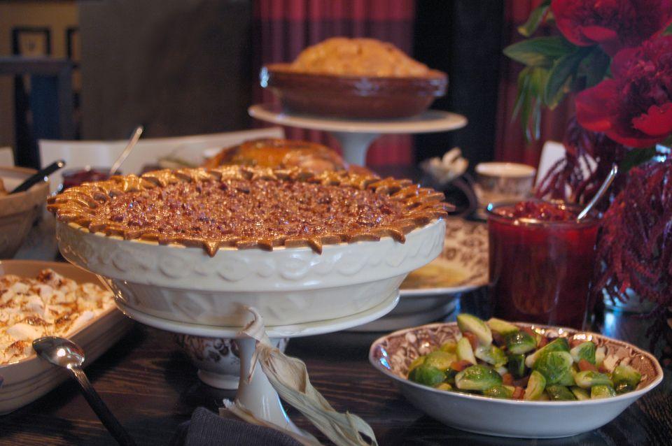 Thanksgiving-Table-Star-Provision.jpg