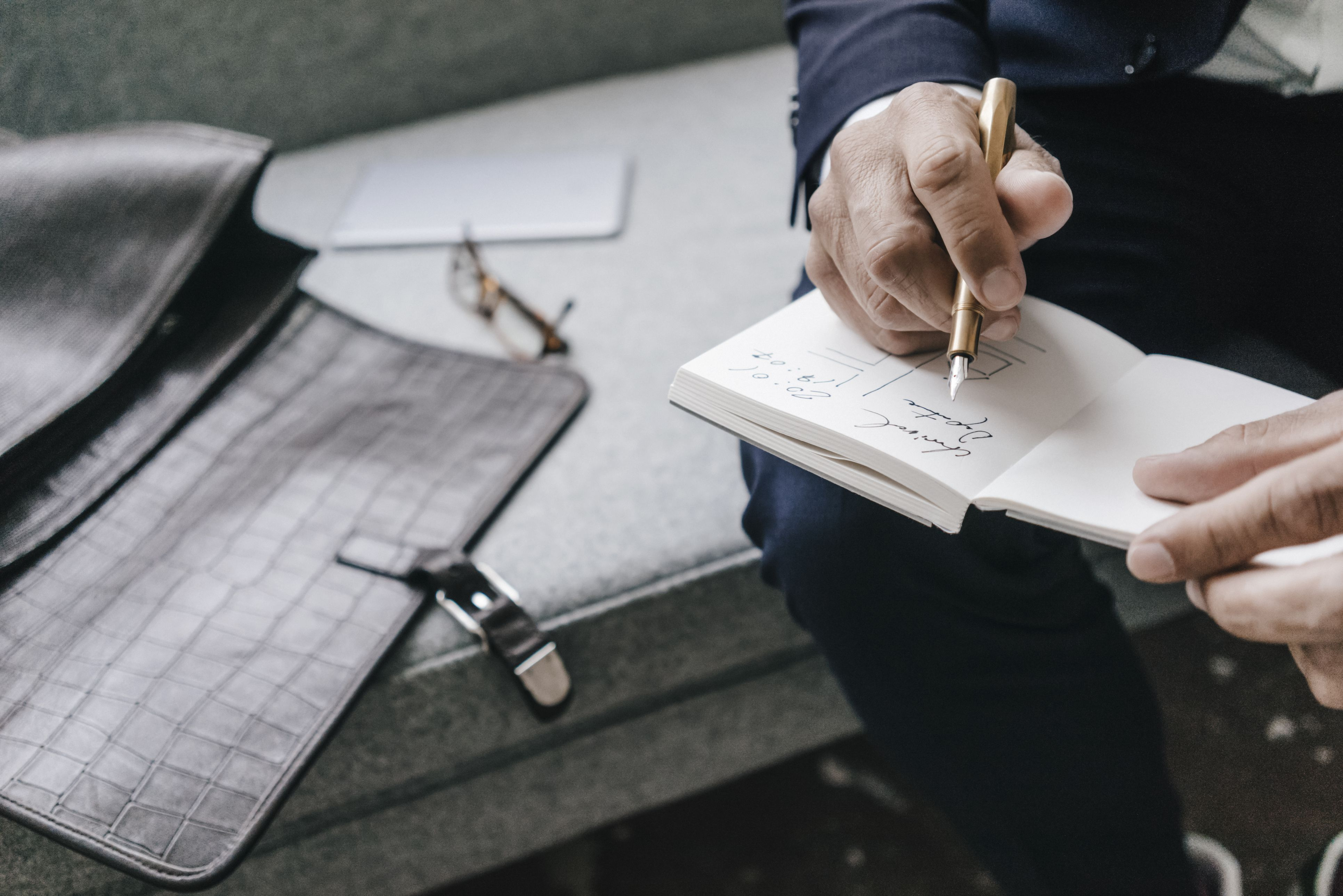 preparing to write and drafting The average cost of making a will if you choose to write your own will you can privately prepare your will online through a will preparation website.