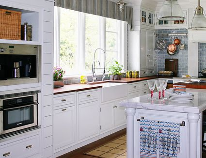 Look inside these beautiful farmhouse style kitchens