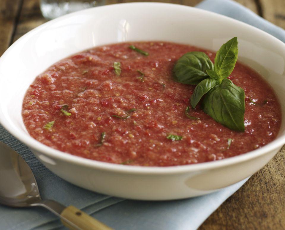Tomato and red pepper raw vegan gazpacho soup recipe