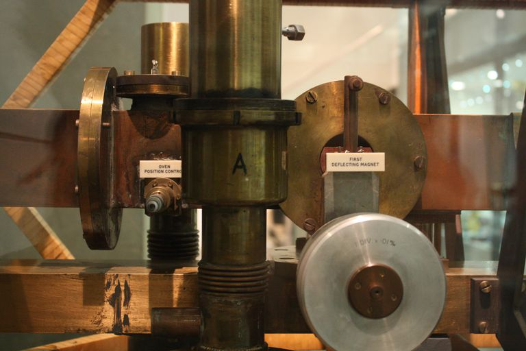 First successful Caesium Atomic Clock, 1955 (National Physical Laboratory)