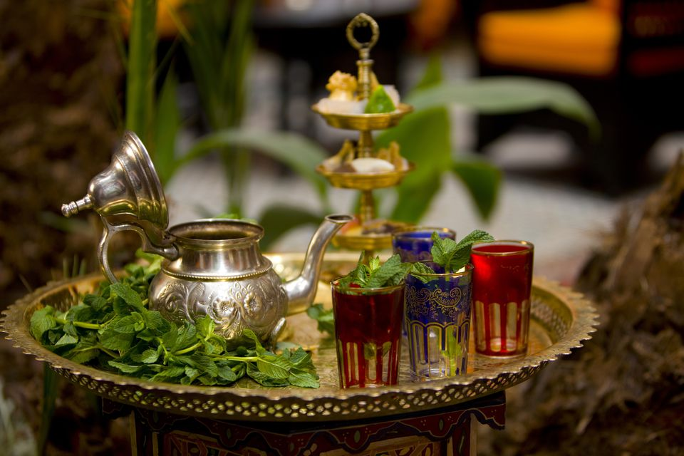 Moroccan tea pot, glasses and fresh mint