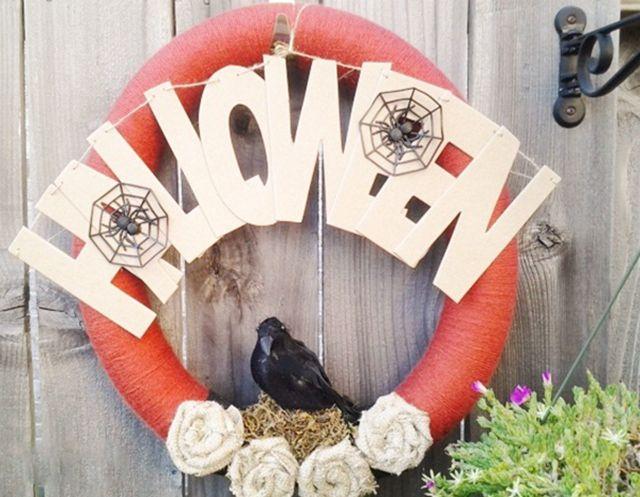 DIY Halloween Yarn Wreath
