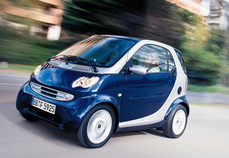 FILE PHOTO Smart Car Helps DaimlerChrysler