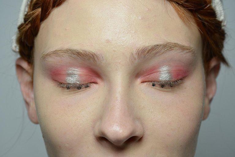 Maquillaje ojos Rosa salmon y dorado