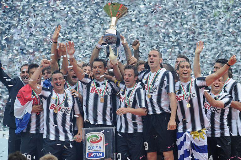 Juventus 2011-12 title celebrations