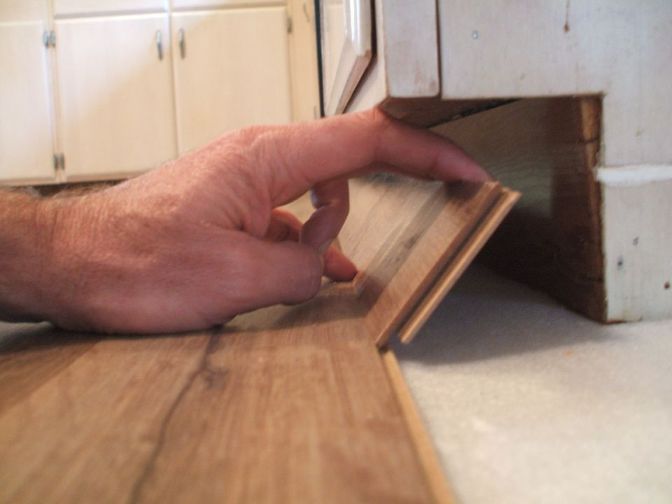 How to lay laminate flooring in one day for Laying laminate flooring