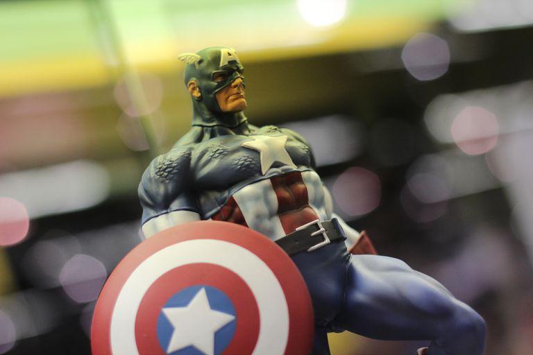 Captain America statue.