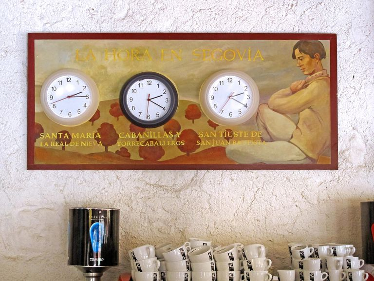 three clocks in Segovia